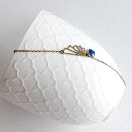 Bracelet fin Art Déco en Laiton Bronze, forme graphique origami et petit sequin en émail