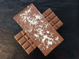 Vollmilch Schokolade 35% mit geraspelten Kokosflocken - 95 Gramm