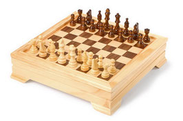 Spiele-Set in Holzbox, Gesellschaftsspiele - Dame, Schach, Backgammon, Cribbage