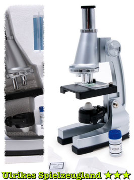 """Mikroskop """"Forscher"""" für den kleinen Mediziner und Wissenschaftler, Arzt-Untersuchung im Labor"""