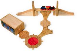 Eisenbahn-Zubehör, 7er-Holzspielzeug-Set aus Lokdepot, Stellwerk, Weichen, Zugbrücke