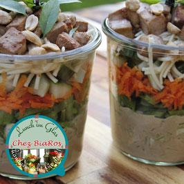 Salat für Donnerstag 15.04.2021 - Asia-Rohkost-Salat mit Tofu und Erdnuss-Kokos-Dressing (Delux-Salat)