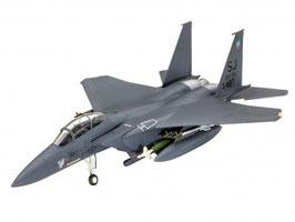 Revell 3972 F-15E STRIKE EAGLE & bombs 1:144