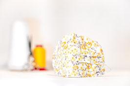 MNS - Maske in Weiß mit gelben Blumen