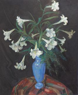 Blauwe vaas met witte lelies.
