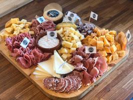 Kaas- & vleeswarenplateau t.w.v. €75,00