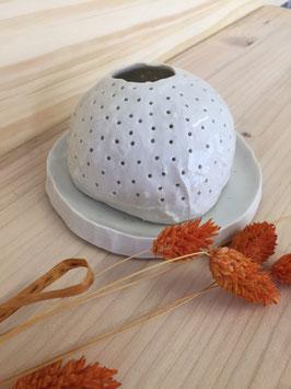 Photophore cocoon en porcelaine blanche