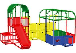 Speelterrein met ballenbad en klimtoren