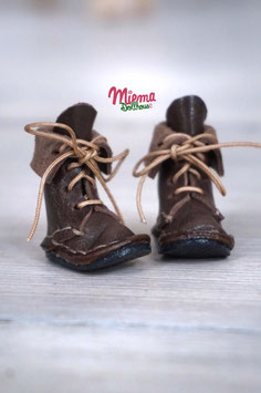 Boots dark brown