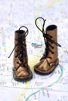 boots dark golden