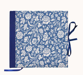 Gästebuch / Schreibbuch / Tagebuch Italienisches Papier große Blumen blau