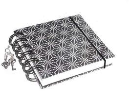 Notizbuch klein, mit schwarzer Ringbindung Wire-O Bindung,  Sternenmuster weiß auf schwarz