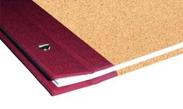 Schraubalbum / Gästebuch DinA4 Hochformat, offener Buchrücken, Kork fein,dunkelrot mit 25 Blatt weißem DinA4 Druckerpapier 160g