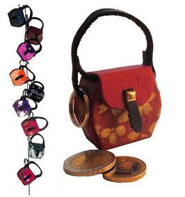Kleine Mini Tasche als Anhänger / Schlüsselanhänger rot mit Golddruck
