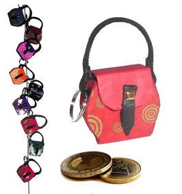 Kleine Mini Tasche als Anhänger / Schlüsselanhänger rot mit Schneckenmuster Golddruck