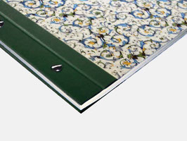 Fotoalbum Schraubalbum DinA4  , Querformat, Florentiner Papier Antique grün mit Golddruck, offener Buchrücken