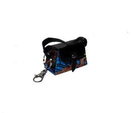 Kleine Mini Tasche als Anhänger / Schlüsselanhänger Muster blau braun schwarz mit Karabinerhacken
