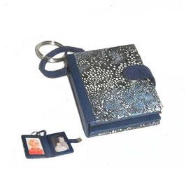 Anhänger /Schlüsselanhänger / Taschenanhänger für Fotos / Passfotos Designpapier blau schwarz