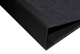 Ringordner DinA4 mit Bügelmechanik 7cm breit, Baumwollpapier Azteka schwarz