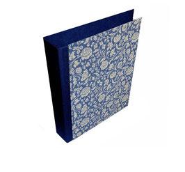 Ringordner DinA4 mit Bügelmechanik 7cm breit, große Blumen blau