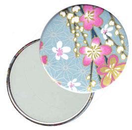 Flaschenöffner mit Magnet oder Taschenspiegel,Handspiegel  ,Button, 59 mm Durchmesser,Chiyogami Yuzen Papier,Blüten pink weiß auf hellblau