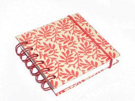Notizbuch klein, mit roter Ringbindung Wire-O Bindung, Blätterranken rot