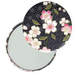 Flaschenöffner mit Magnet oder Taschenspiegel,Handspiegel  ,Button, 59 mm Durchmesser,Chiyogami Yuzen Papier,Kirschblüten rosa weiß auf schwarz