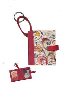 Anhänger /Schlüsselanhänger / Taschenanhänger für Fotos / Passfotos Florentiner Papier, kleine Ornamente bunt