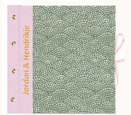 Schraubalbum Sodermaß für Papier 30 cm x 30 cm, Hölzer grün rosa mit Schrift und Buchecken , Ringordner Hebelmechanik 6 cm breit,Hölzer grün rosa