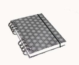 Notizbuch Din A6, mit schwarzer Ringbindung Wire-O Bindung,  Sternenmuster weiß auf schwarz