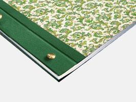 Fotoalbum Schraubalbum , DinA4  , Hochformat mit offenem Buchrücken, Florentiner Papier Ornamente  grün gold