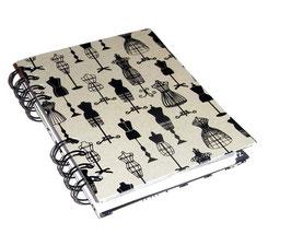 Telefonbuch / Notizbuch Din A6, mit schwarzer Ringbindung Wire-O Bindung, Register ABC schwarz grau,Baumwollpapier Schneiderpuppen