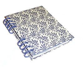 Telefonbuch / Notizbuch Din A6, mit blauer Ringbindung Wire-O Bindung, Register ABC blau , Blätterranken blau