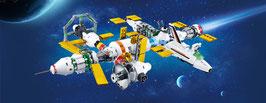 Raumstation bestehend aus 7 Satelliten und einem Spaceshuttle