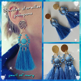 Boucles pompons