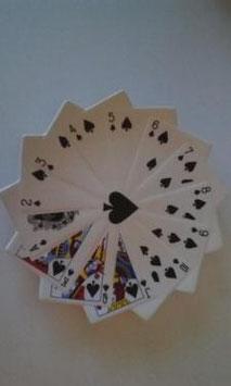 Skat  Karten Teller Snack Weiß Schwarz Pik