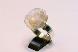 Ring zilver met bergkristal roos