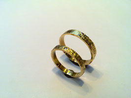 Set trouwringen met diamant