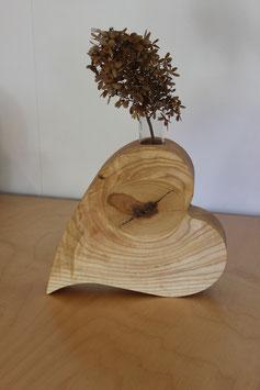 Herz-Vasen aus Esche