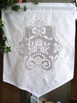 Mini Vorhang mit Blumenornament