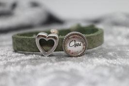 Armband einfach mint Wunschname Blumenkranz & Herz offen