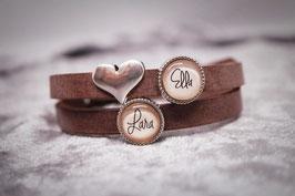 Armband braun mit zwei Wunschnamen & Herz