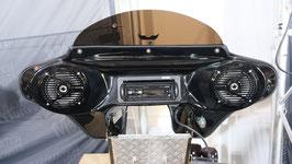 MAX6-x-S1-Vivid-black mit DAB-Radio  - Demo-Fairing -Alpine CDE-205DAB