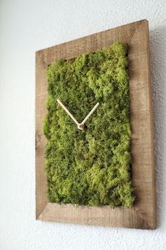 Uhr mit Ziffernblatt aus echtem Island-Moos