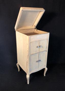 Grammophonschrank im Shabby-Look