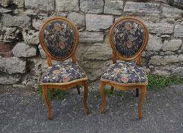 Louis Philippe Stuhl mit elegantem Stoff