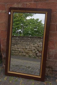 Schlichter Wandspiegel
