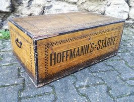 """Werbetruhe von """"Hoffmann's Stärke"""" um 1920"""