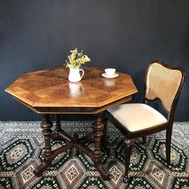 Cafétisch mit Sternfurnier