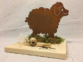 Schaf auf Holzplatte